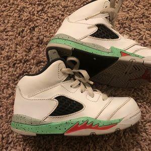 Air Jordan 5's. Youth 8C.